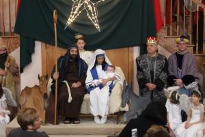 2015 Christmas Village - (1175)