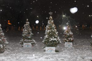 2016-christmas-village-191